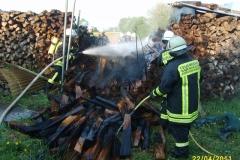 """Einsatz """"Brand eines Holzstapels"""" am 22.04.2011"""