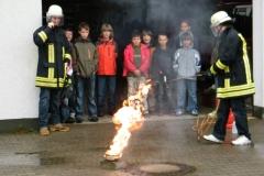 Brandschutzerziehung im Rahmen der Projektwoche der Bachwiesenschule vom 17. bis 21.05.2010